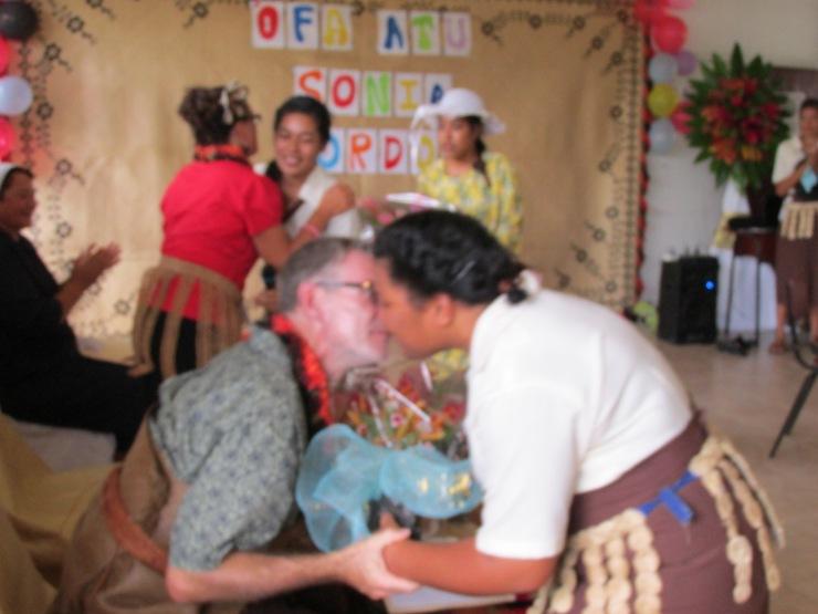 malo aupito ~ thanks you with an uma (kiss)